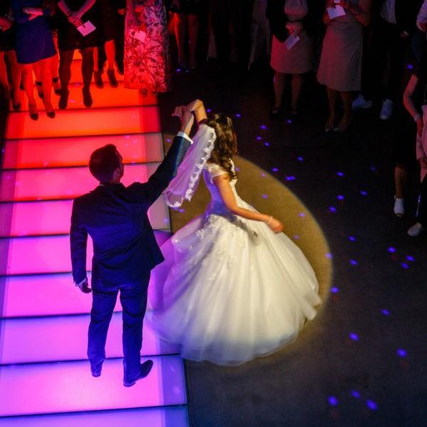Hochzeit Lokschuppen Bottrop Heiraten Location Hochzeitslocation NRW Fotograf 15 600x600 - Lokschuppen in Bottrop - Hochzeitslocation NRW
