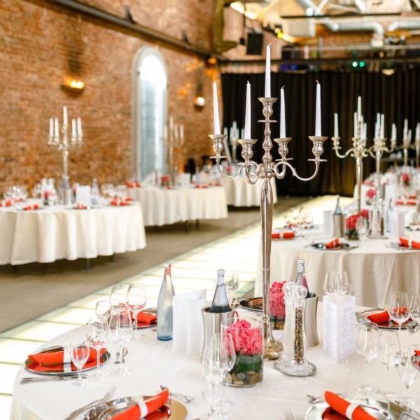 Hochzeit Lokschuppen Bottrop Heiraten Location Hochzeitslocation NRW Fotograf 3 600x600 - Lokschuppen in Bottrop - Hochzeitslocation NRW