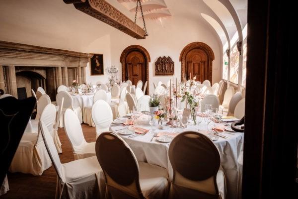 Hochzeit Schloss Hülchrat Grevenbroich Heiraten Location Hochzeitslocation NRW Fotograf 18 600x400 - Schlosshochzeit