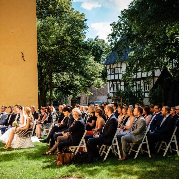Hochzeit Schloss Lüntenbeck Wuppertal Heiraten Location Hochzeitslocation NRW Fotograf 15 600x600 - Schloss Lüntenbeck in Wuppertal - Hochzeitslocation NRW