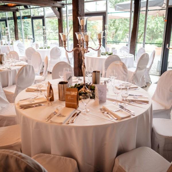 Hochzeit Schloss Linnepp Ratingen Heiraten Location Hochzeitslocation NRW Fotograf 15 600x600 - Schloss Linnep in Ratingen - Hochzeitslocation NRW