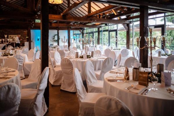 Hochzeit Schloss Linnepp Ratingen Heiraten Location Hochzeitslocation NRW Fotograf 16 600x400 - Hochzeitsfotograf Ratingen