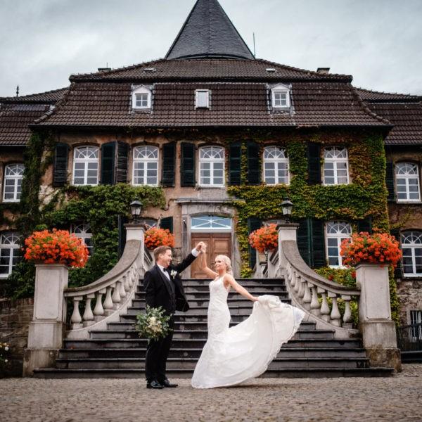 Hochzeit Schloss Linnepp Ratingen Heiraten Location Hochzeitslocation NRW Fotograf 34 600x600 - Schloss Linnep in Ratingen - Hochzeitslocation NRW