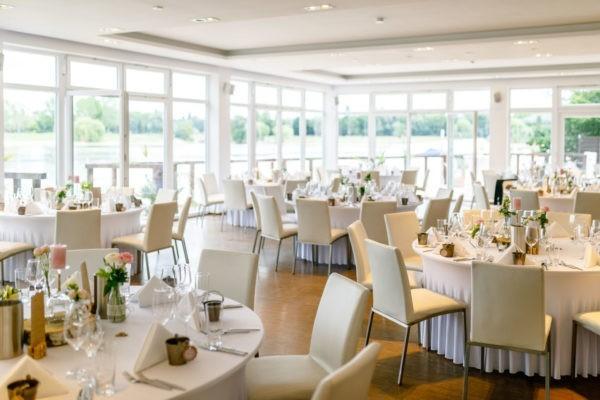 Hochzeit Seepavillon Fühlinger See Köln Heiraten Location Hochzeitslocation NRW Fotograf 29 600x400 - Hochzeitsfotograf Bergisch Gladbach