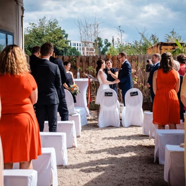 Hochzeit Tafelsilber Düsseldorf Heiraten Location Hochzeitslocation NRW Fotograf 11 600x600 - Tafelsilber in Düsseldorf - Hochzeitslocation NRW