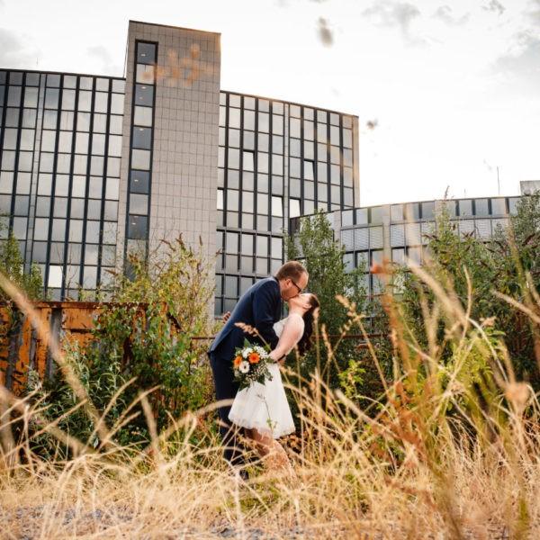 Hochzeit Tafelsilber Düsseldorf Heiraten Location Hochzeitslocation NRW Fotograf 13 600x600 - Tafelsilber in Düsseldorf - Hochzeitslocation NRW