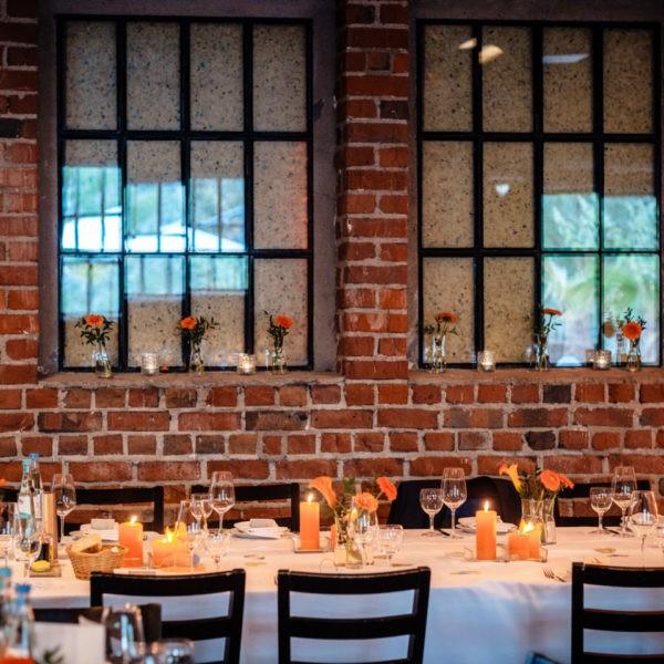 Hochzeit Tafelsilber Düsseldorf Heiraten Location Hochzeitslocation NRW Fotograf 19 600x600 - Tafelsilber in Düsseldorf - Hochzeitslocation NRW