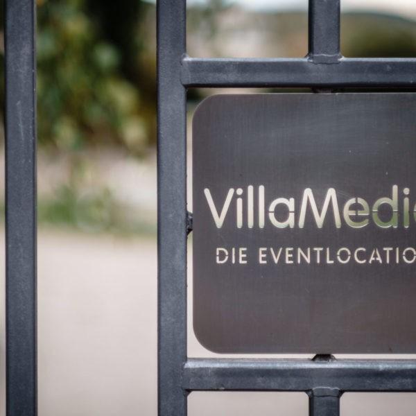 Hochzeit Villa Media Wuppertal Heiraten Location Hochzeitslocation NRW Fotograf 1 600x600 - Villa Media in Wuppertal - Hochzeitslocation NRW