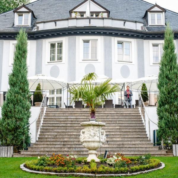 Hochzeit Villa Vera Wetter Heiraten Location Hochzeitslocation NRW Fotograf 1 600x600 - Villa Vera in Wetter - Hochzeitslocation NRW