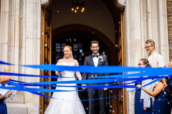 Hochzeit kirche kirchliche trauung hochzeitsfotograf 2 600x400 - Kirchliche Trauung