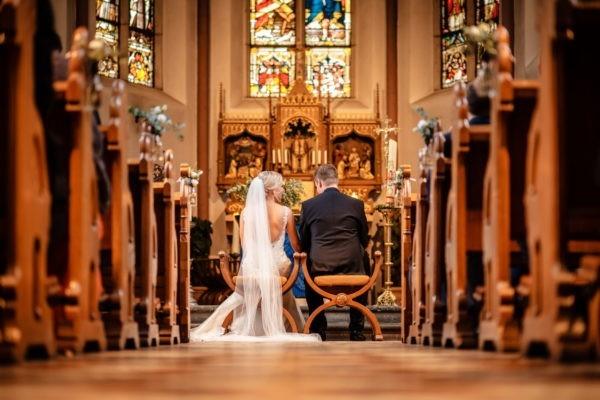 Hochzeit kirche kirchliche trauung hochzeitsfotograf 5 600x400 - Kirchliche Trauung