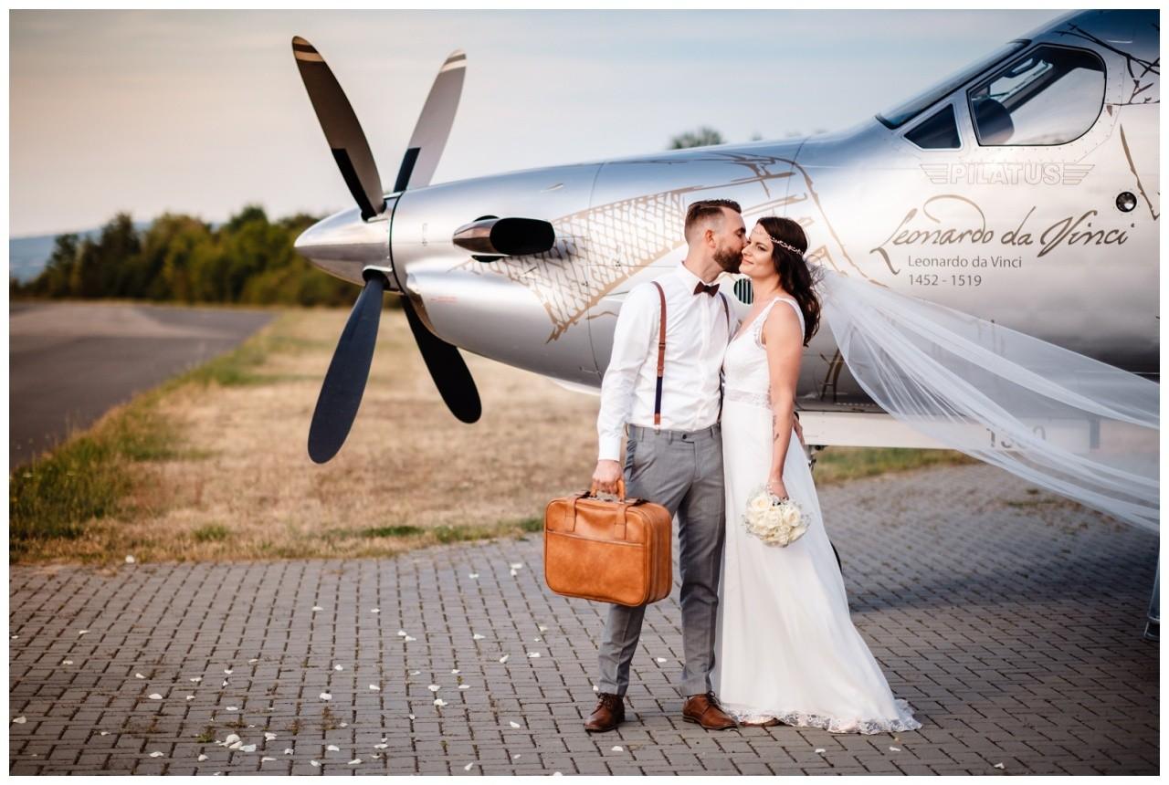 privatjet mieten hochzeitsreise flitterwochen fotograf 12 - Privatjet mieten für die Hochzeitsreise