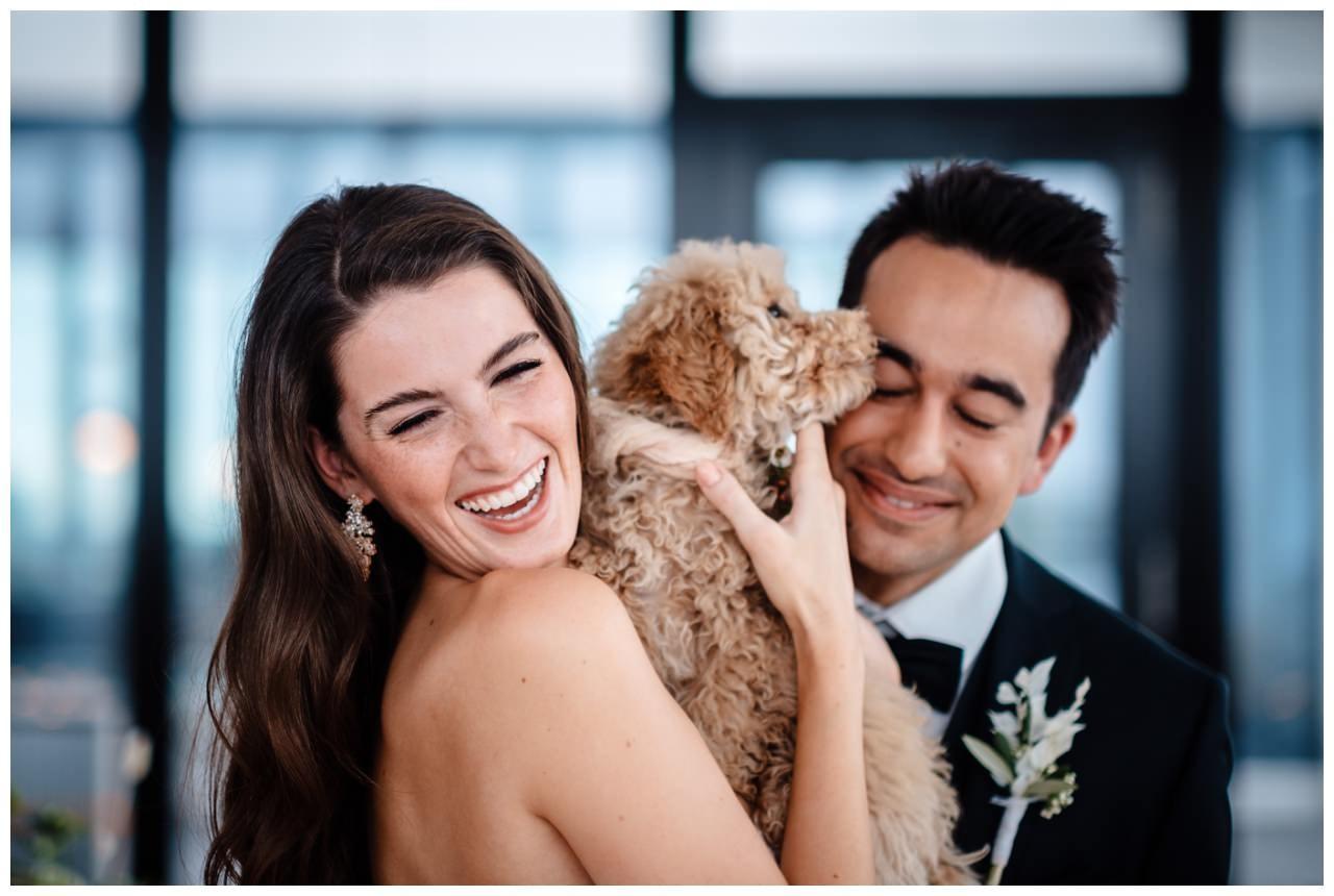 hochzeitsfotos düsseldorf hochzeitsfotograf shooting hund haustier 33 - Hochzeitsfotos in Düsseldorf