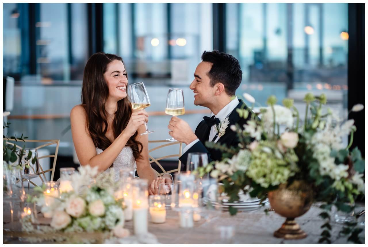 hochzeitsfotos düsseldorf hochzeitsfotograf shooting hund haustier 35 - Hochzeitsfotos in Düsseldorf