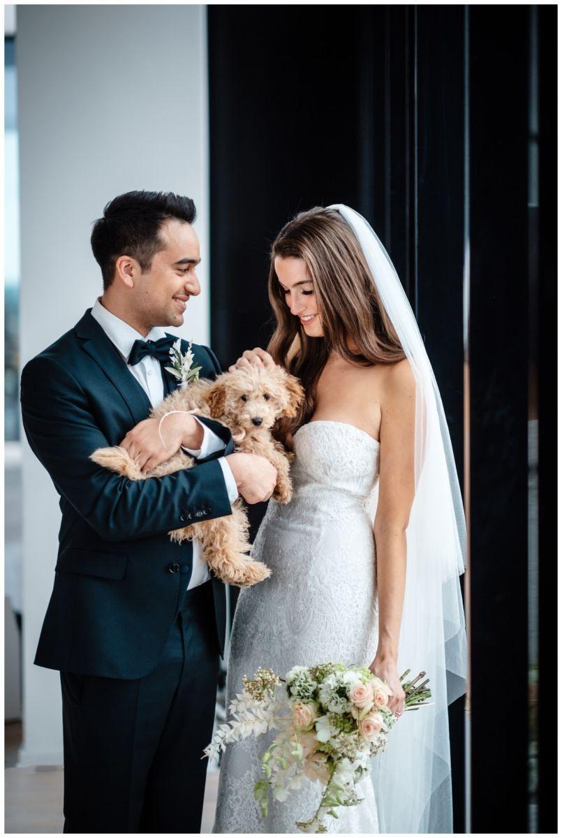 hochzeitsfotos düsseldorf hochzeitsfotograf shooting hund haustier 48 - Hochzeitsfotos in Düsseldorf