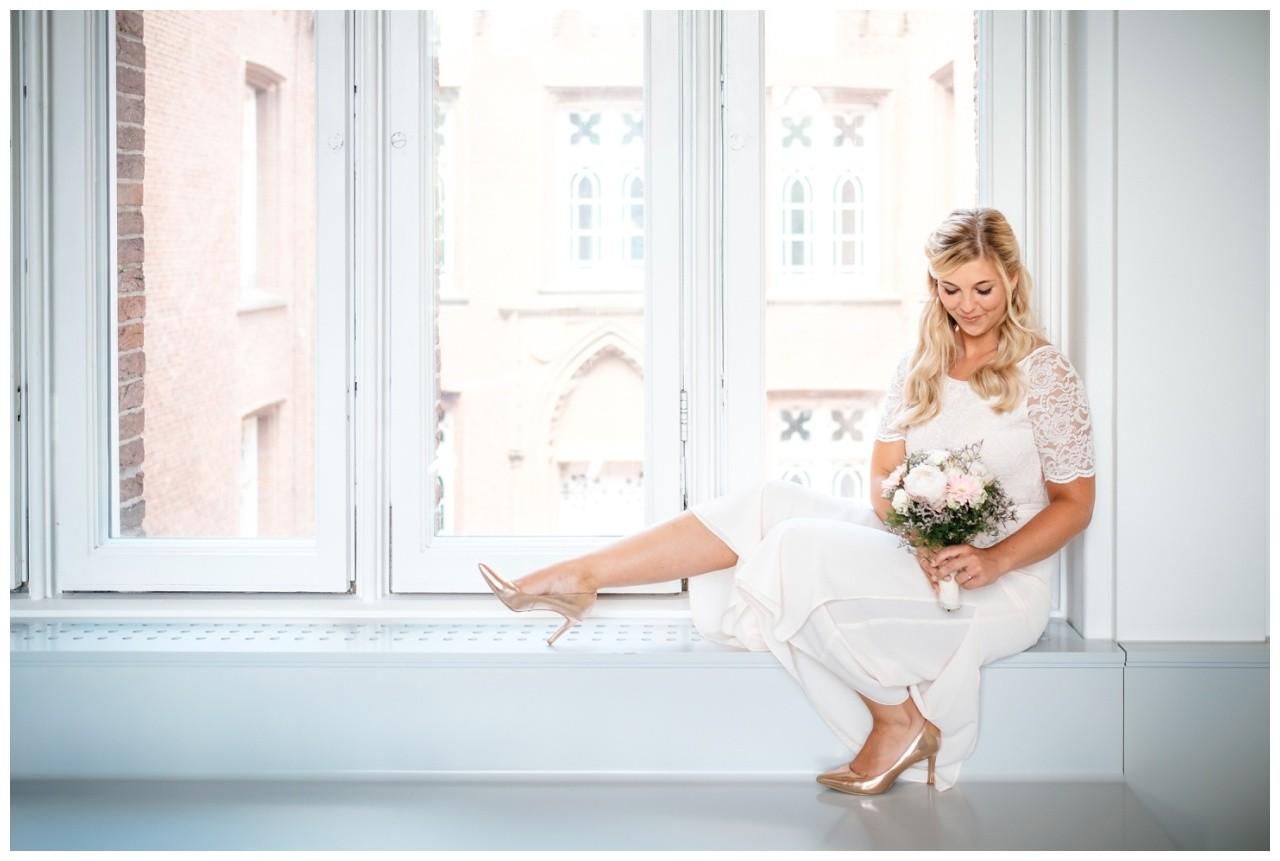 hochzeit standesamt standesamtliche Trauung schloss Moyland niederrhein fotograf 32 - Standesamtliche Hochzeit auf Schloss Moyland