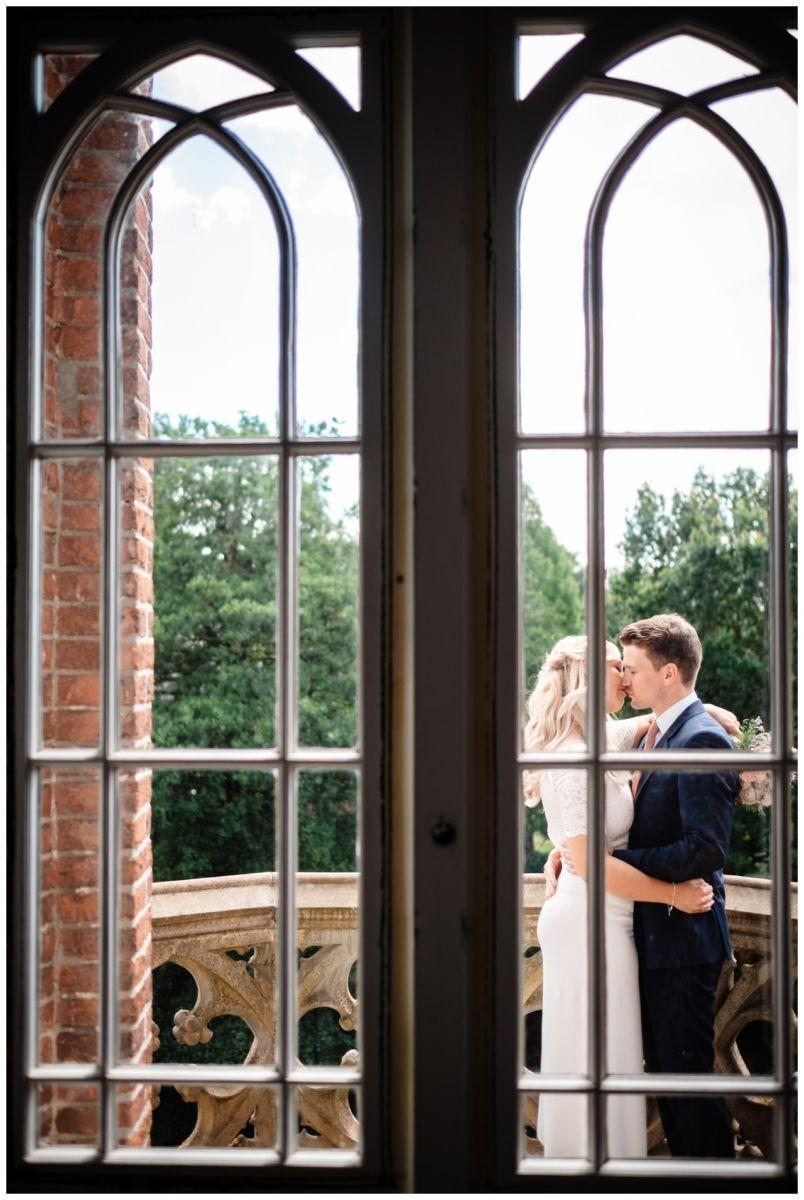 hochzeit standesamt standesamtliche Trauung schloss Moyland niederrhein fotograf 34 - Standesamtliche Hochzeit auf Schloss Moyland