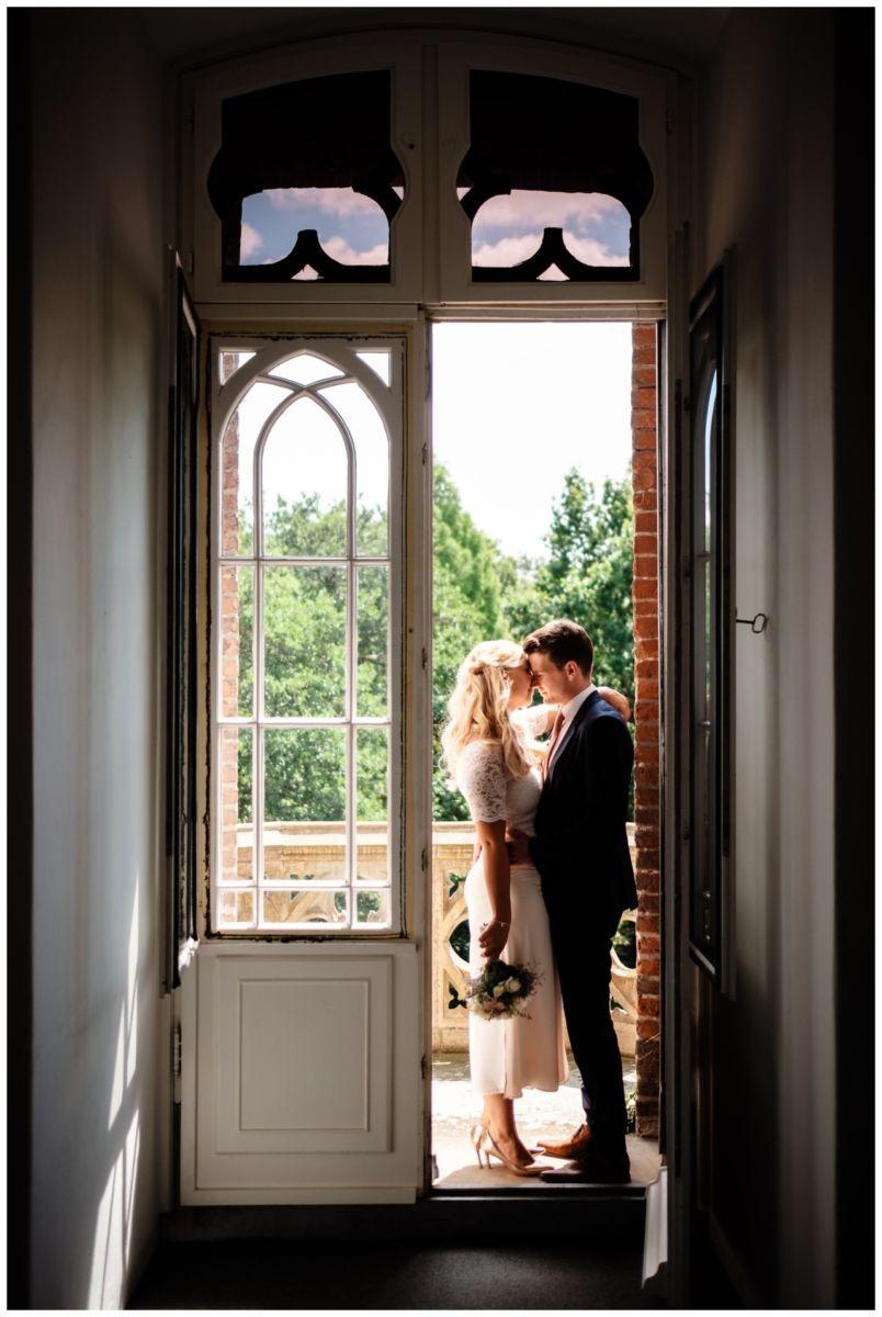 hochzeit standesamt standesamtliche Trauung schloss Moyland niederrhein fotograf 35 - Standesamtliche Hochzeit auf Schloss Moyland