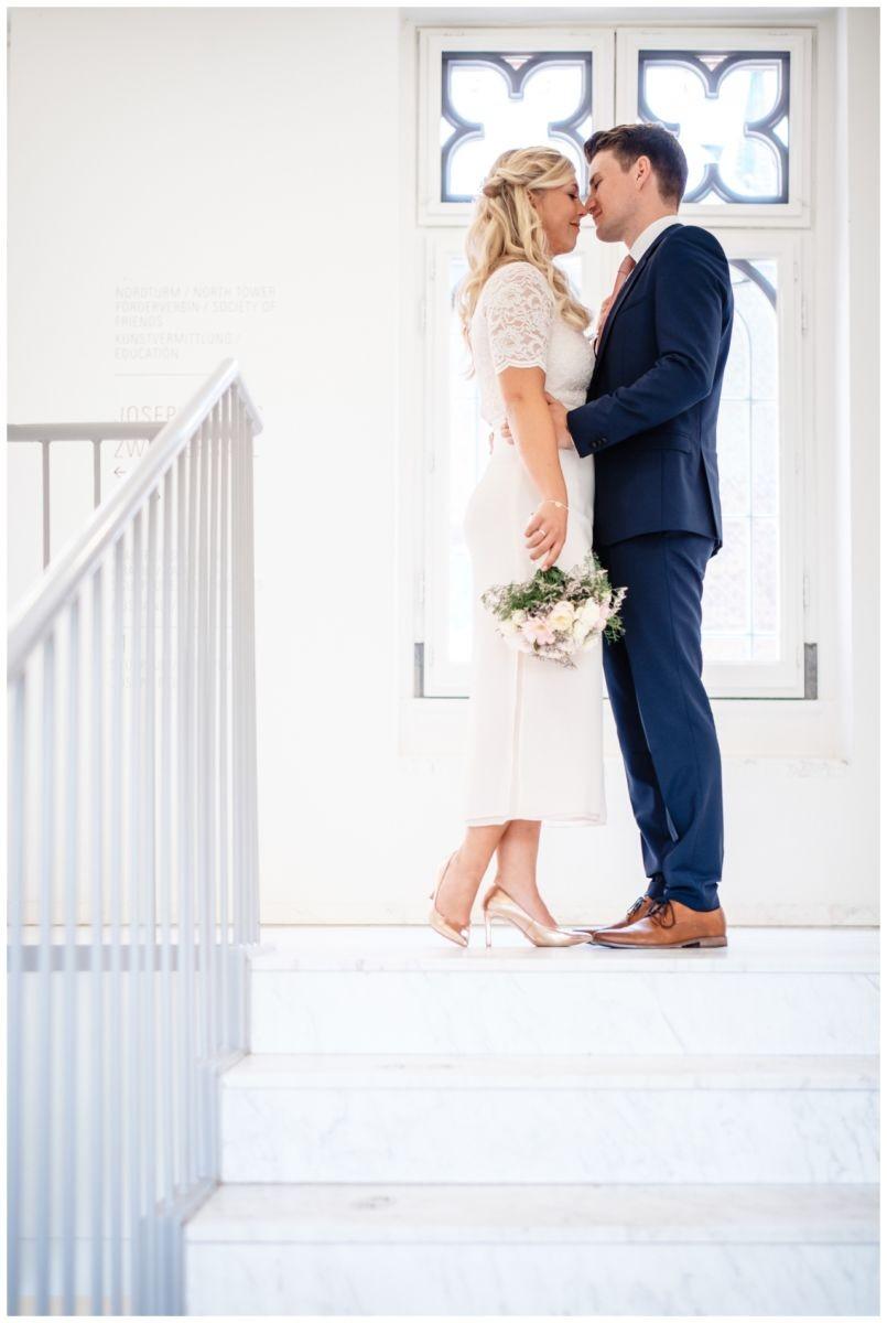 hochzeit standesamt standesamtliche Trauung schloss Moyland niederrhein fotograf 38 - Standesamtliche Hochzeit auf Schloss Moyland