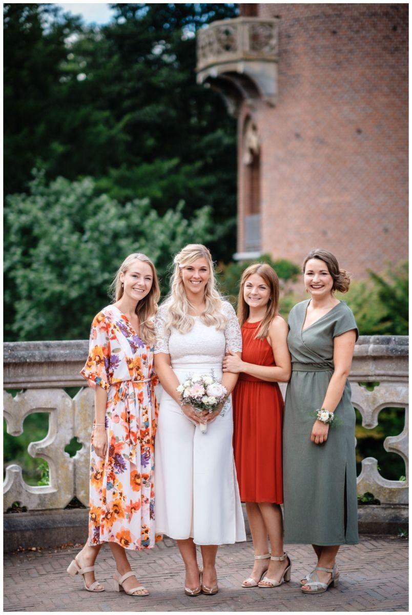 hochzeit standesamt standesamtliche Trauung schloss Moyland niederrhein fotograf 41 - Standesamtliche Hochzeit auf Schloss Moyland