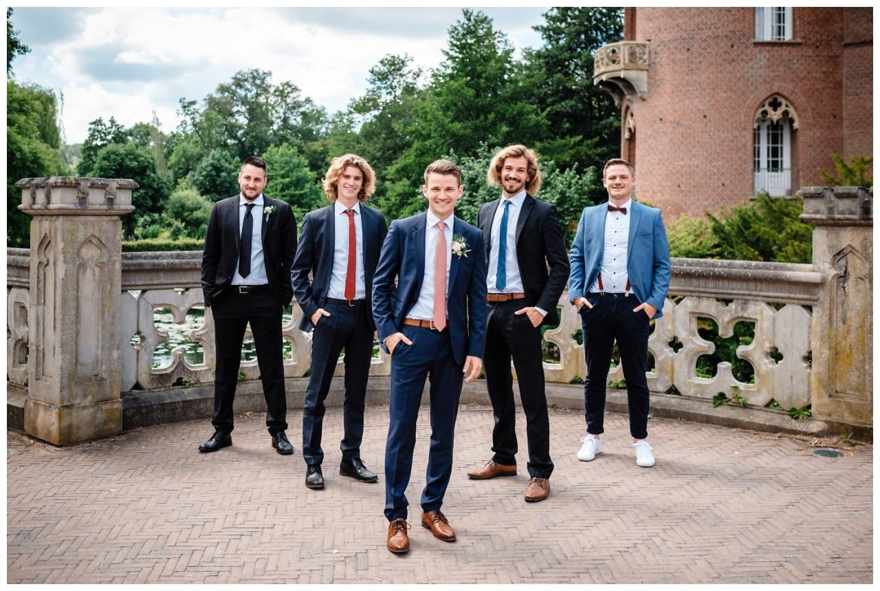 hochzeit standesamt standesamtliche Trauung schloss Moyland niederrhein fotograf 42 - Standesamtliche Hochzeit auf Schloss Moyland