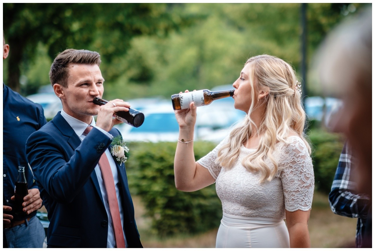 hochzeit standesamt standesamtliche Trauung schloss Moyland niederrhein fotograf 43 - Standesamtliche Hochzeit auf Schloss Moyland