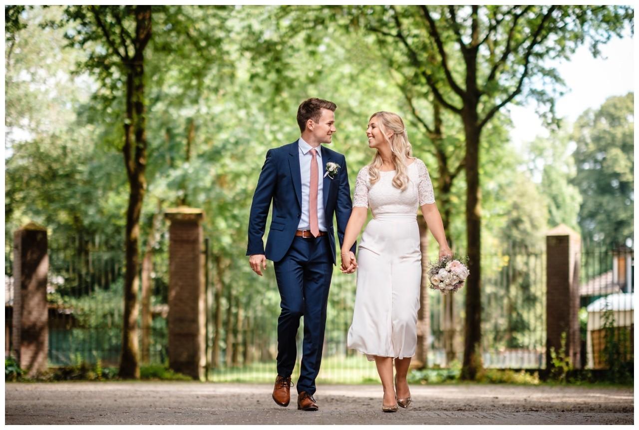 hochzeit standesamt standesamtliche Trauung schloss Moyland niederrhein fotograf 44 - Standesamtliche Hochzeit auf Schloss Moyland