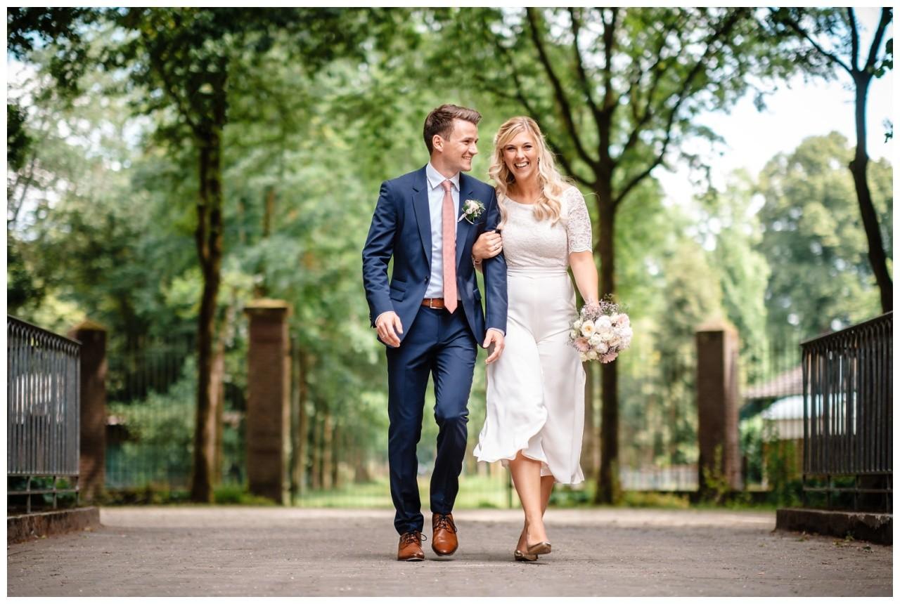 hochzeit standesamt standesamtliche Trauung schloss Moyland niederrhein fotograf 45 - Standesamtliche Hochzeit auf Schloss Moyland