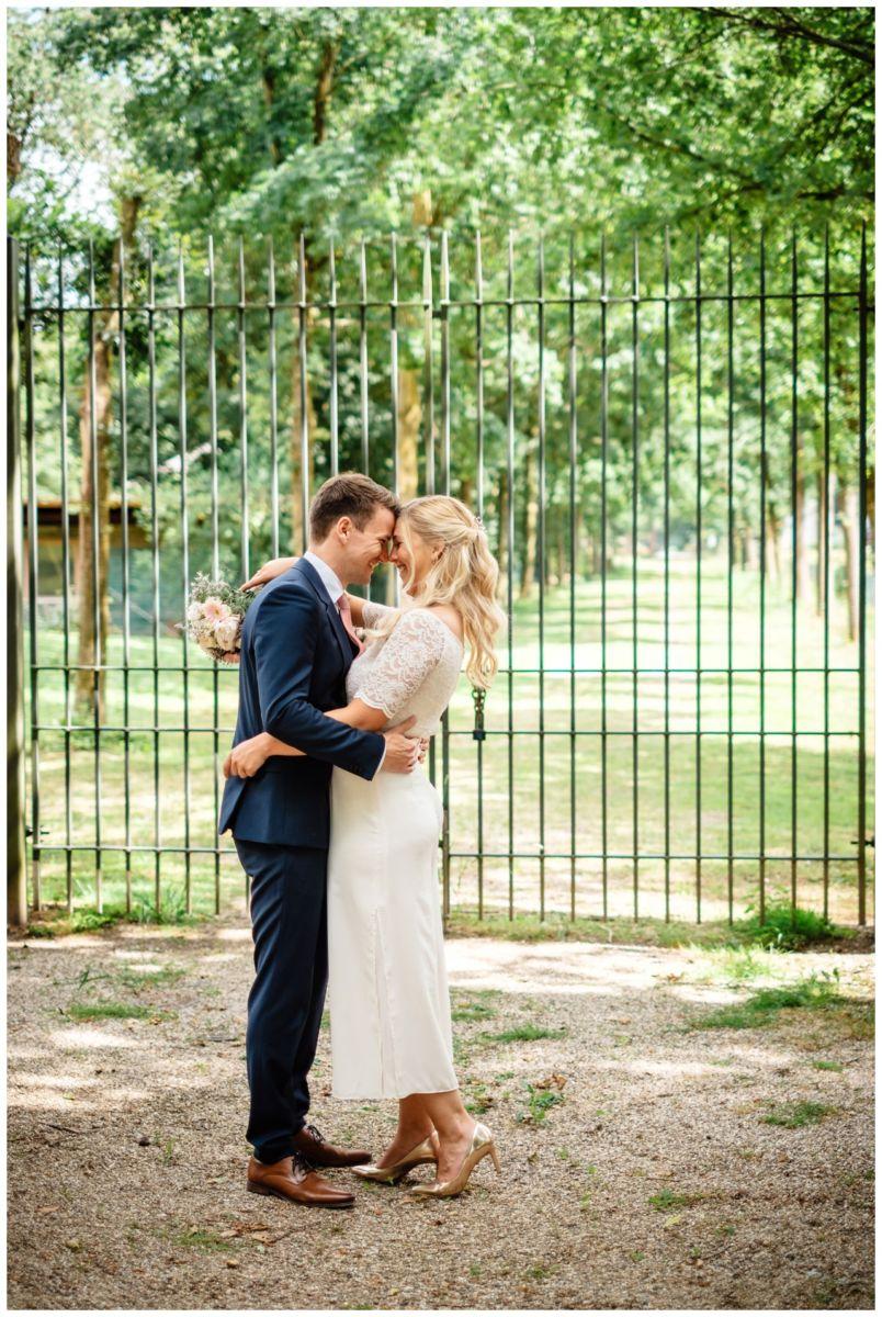 hochzeit standesamt standesamtliche Trauung schloss Moyland niederrhein fotograf 49 - Standesamtliche Hochzeit auf Schloss Moyland
