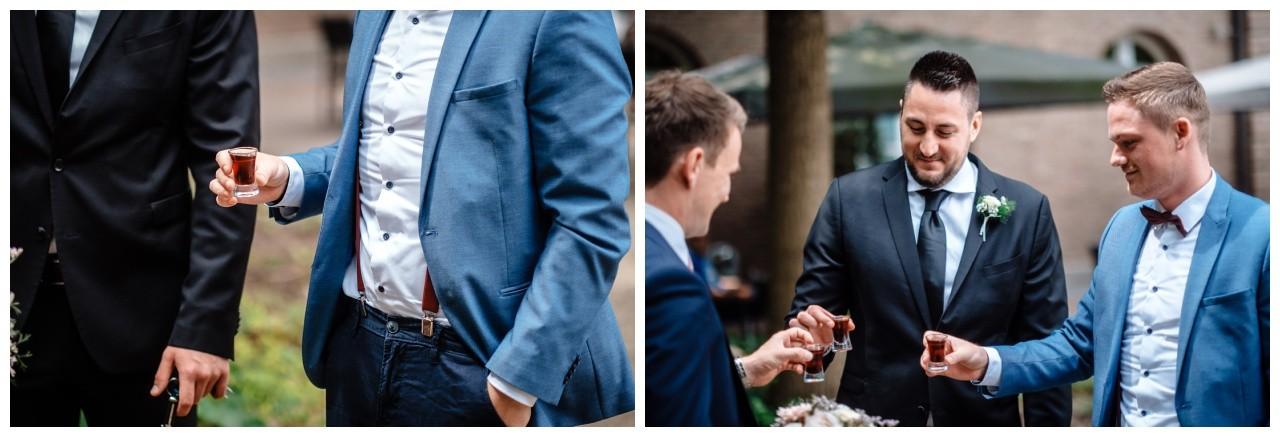 hochzeit standesamt standesamtliche Trauung schloss Moyland niederrhein fotograf 5 - Standesamtliche Hochzeit auf Schloss Moyland