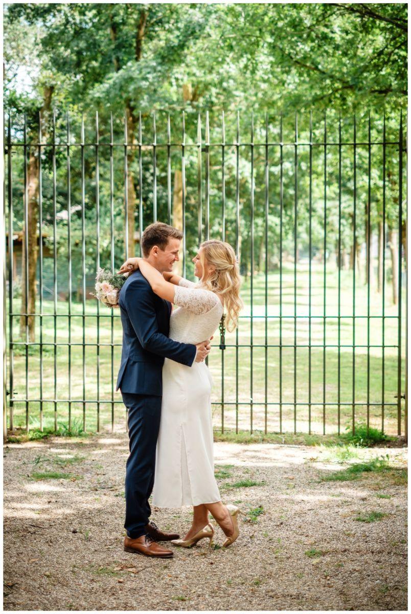 hochzeit standesamt standesamtliche Trauung schloss Moyland niederrhein fotograf 50 - Standesamtliche Hochzeit auf Schloss Moyland