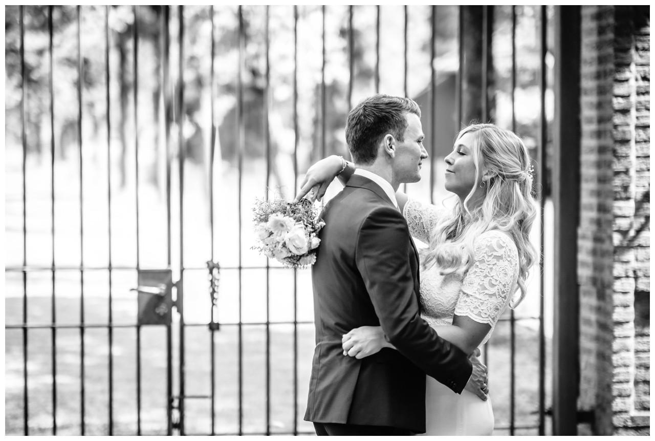 hochzeit standesamt standesamtliche Trauung schloss Moyland niederrhein fotograf 51 - Standesamtliche Hochzeit auf Schloss Moyland