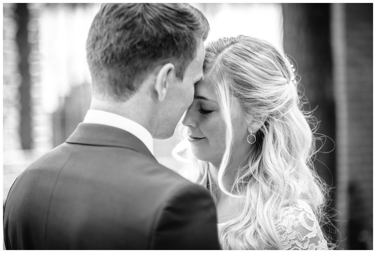 hochzeit standesamt standesamtliche Trauung schloss Moyland niederrhein fotograf 53 - Standesamtliche Hochzeit auf Schloss Moyland