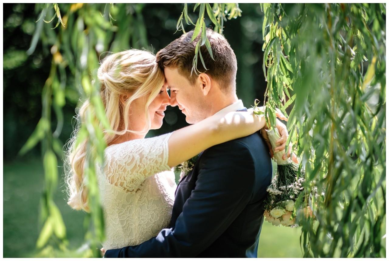 hochzeit standesamt standesamtliche Trauung schloss Moyland niederrhein fotograf 55 - Standesamtliche Hochzeit auf Schloss Moyland