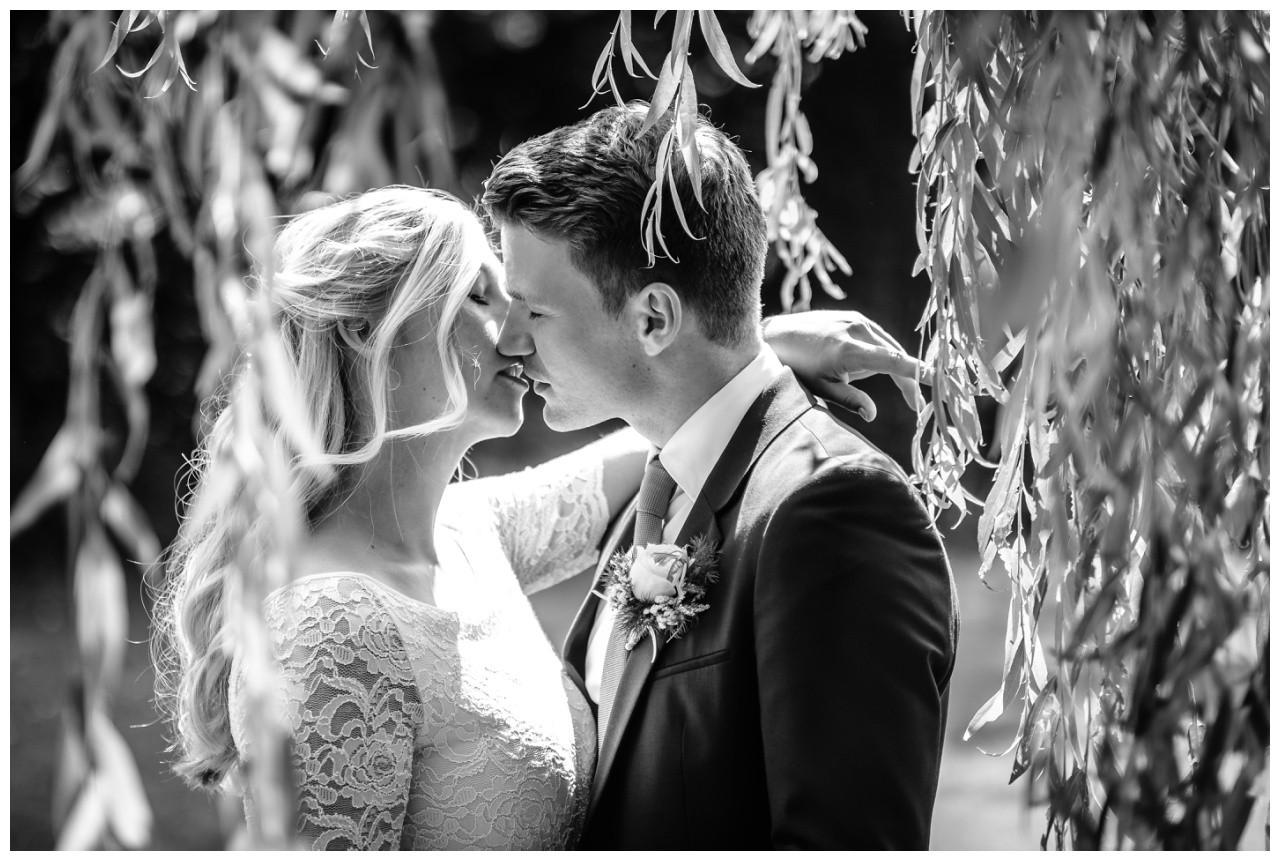 hochzeit standesamt standesamtliche Trauung schloss Moyland niederrhein fotograf 56 - Standesamtliche Hochzeit auf Schloss Moyland
