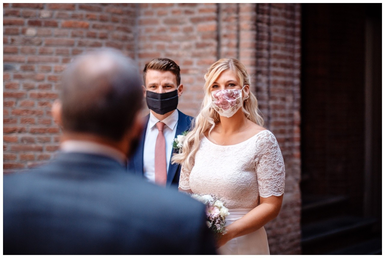 hochzeit standesamt standesamtliche Trauung schloss Moyland niederrhein fotograf 8 - Standesamtliche Hochzeit auf Schloss Moyland