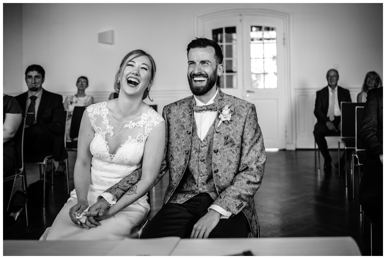 Hochzeit Nikolaus Kloster Juechen Standesamt Trauung Hochzeitsfotograf 28 - Standesamtliche Hochzeit im Nikolauskloster Jüchen