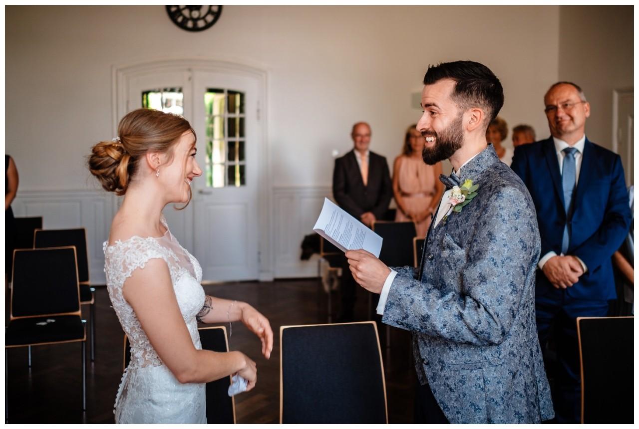 Hochzeit Nikolaus Kloster Juechen Standesamt Trauung Hochzeitsfotograf 32 - Standesamtliche Hochzeit im Nikolauskloster Jüchen