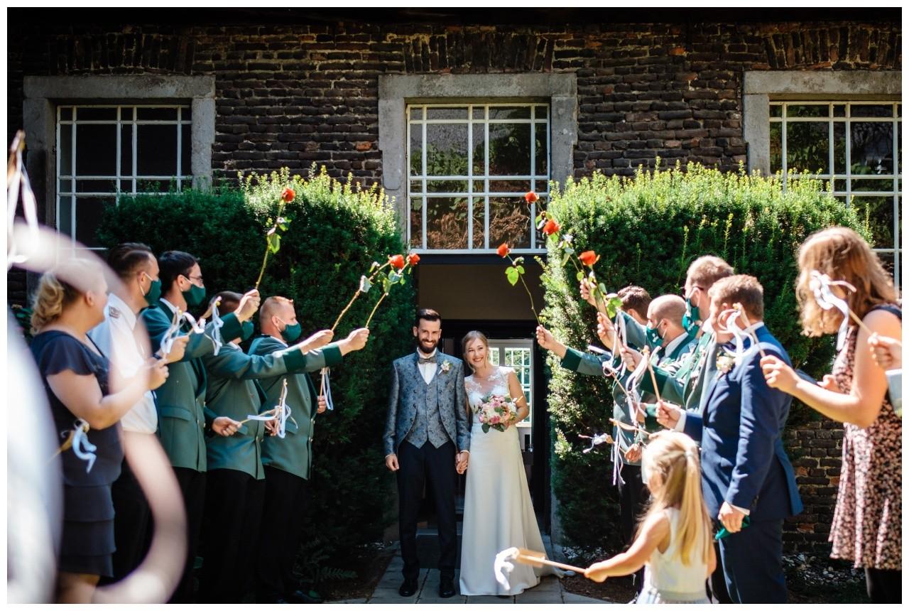 Hochzeit Nikolaus Kloster Juechen Standesamt Trauung Hochzeitsfotograf 39 - Standesamtliche Hochzeit im Nikolauskloster Jüchen