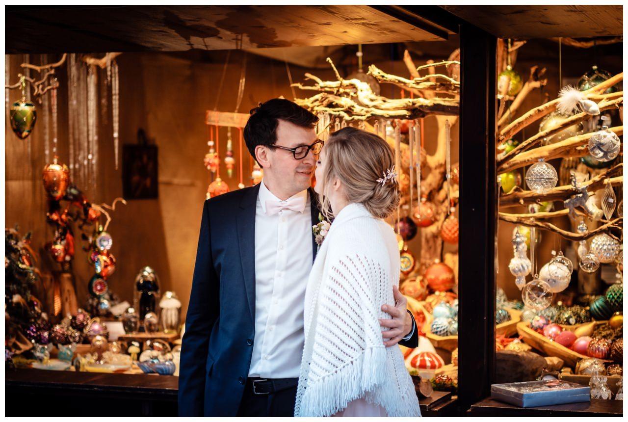 hochzeit standesamt koeln rathaus weihnachten fotograf 25 - Hochzeit zu Weihnachten im Standesamt Köln