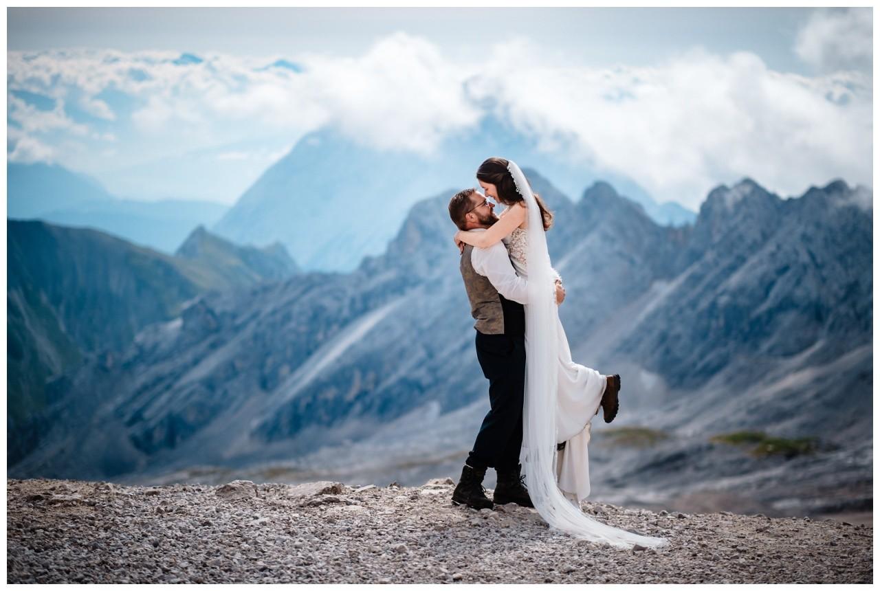 hochzeitsfoto eibsee zugspitze gamisch hochzeitsfotograf foto paarshooting 10 - Hochzeitsfotos am Eibsee