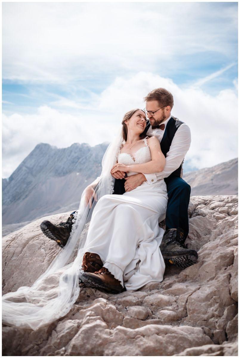 hochzeitsfoto eibsee zugspitze gamisch hochzeitsfotograf foto paarshooting 15 - Hochzeitsfotos am Eibsee