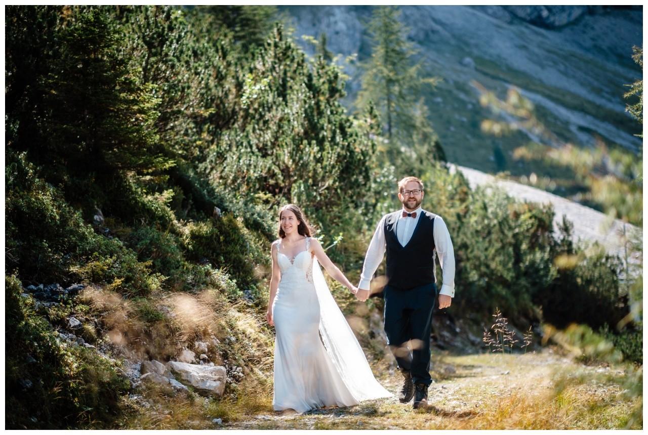 hochzeitsfoto eibsee zugspitze gamisch hochzeitsfotograf foto paarshooting 18 - Hochzeitsfotos am Eibsee