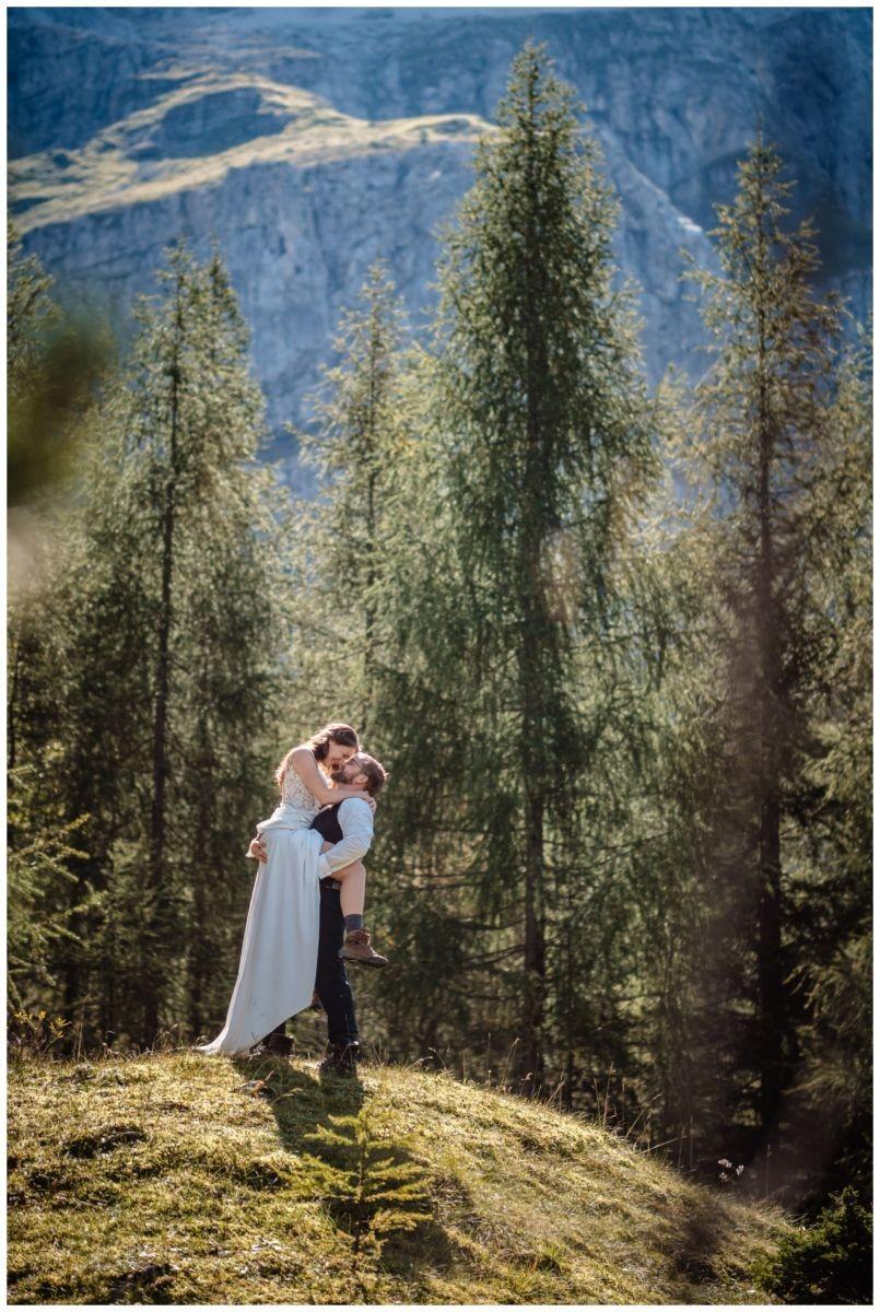 hochzeitsfoto eibsee zugspitze gamisch hochzeitsfotograf foto paarshooting 26 - Hochzeitsfotos am Eibsee