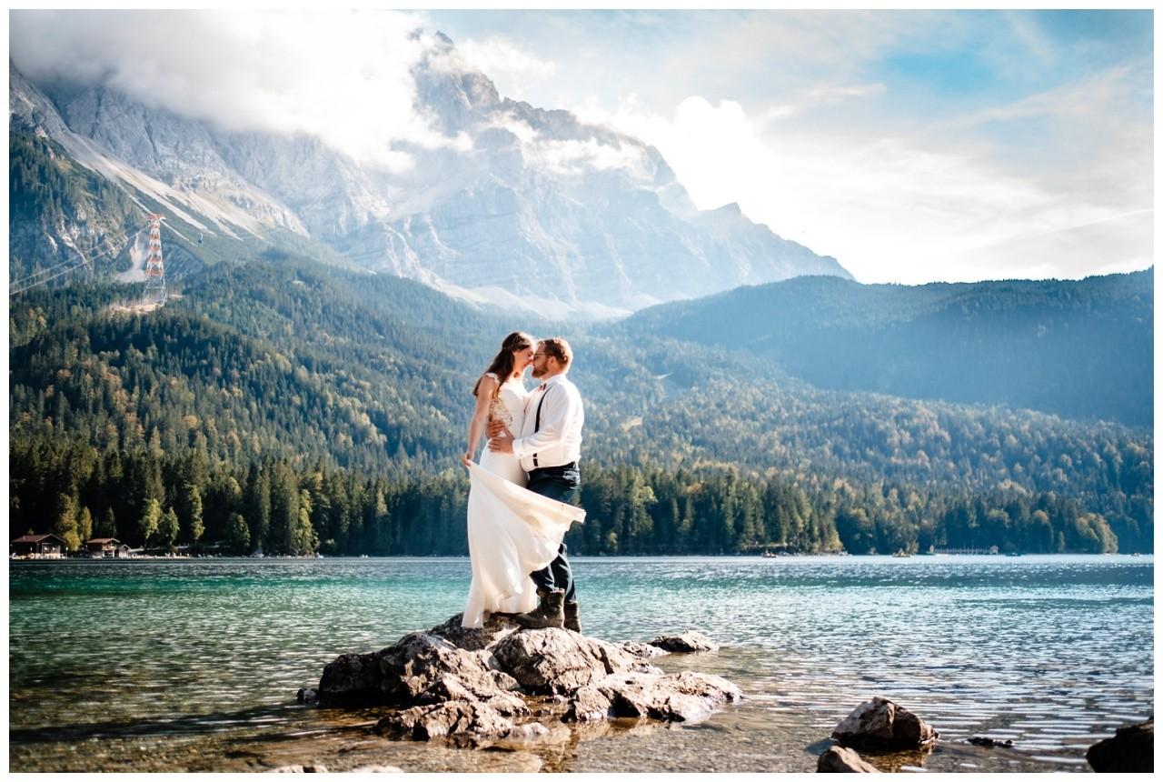 hochzeitsfoto eibsee zugspitze gamisch hochzeitsfotograf foto paarshooting 30 - Hochzeitsfotos am Eibsee