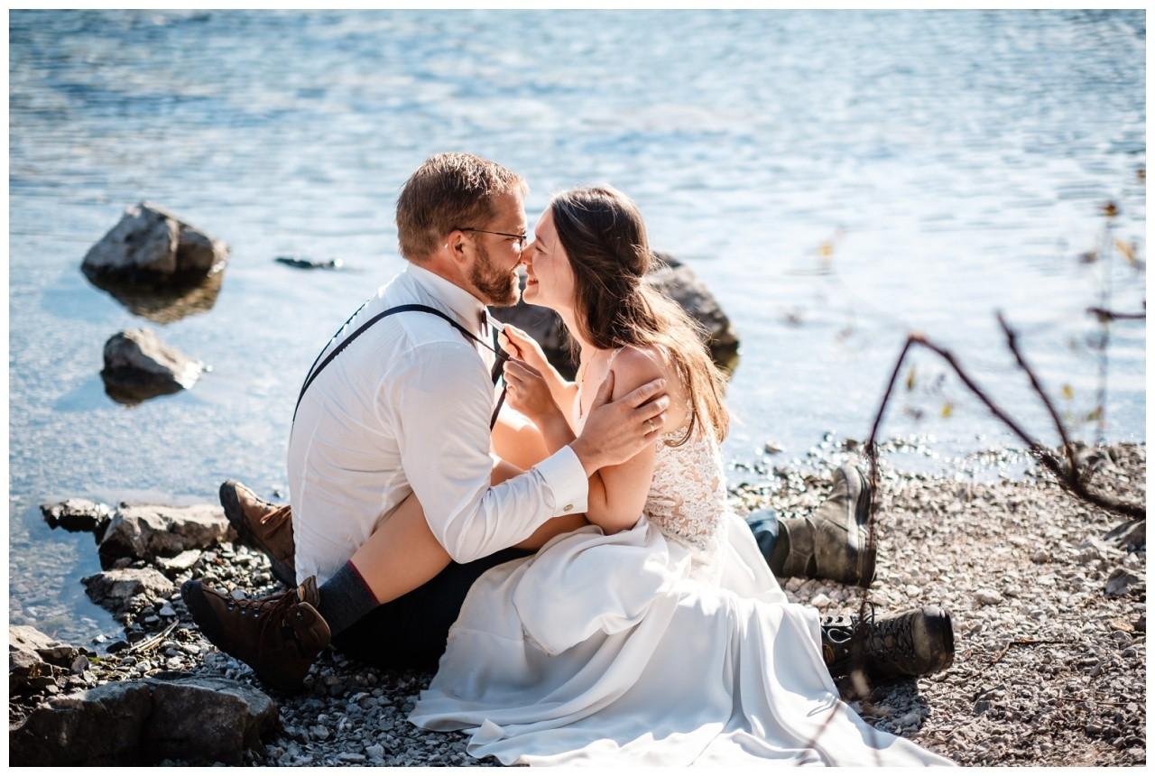hochzeitsfoto eibsee zugspitze gamisch hochzeitsfotograf foto paarshooting 33 - Hochzeitsfotos am Eibsee