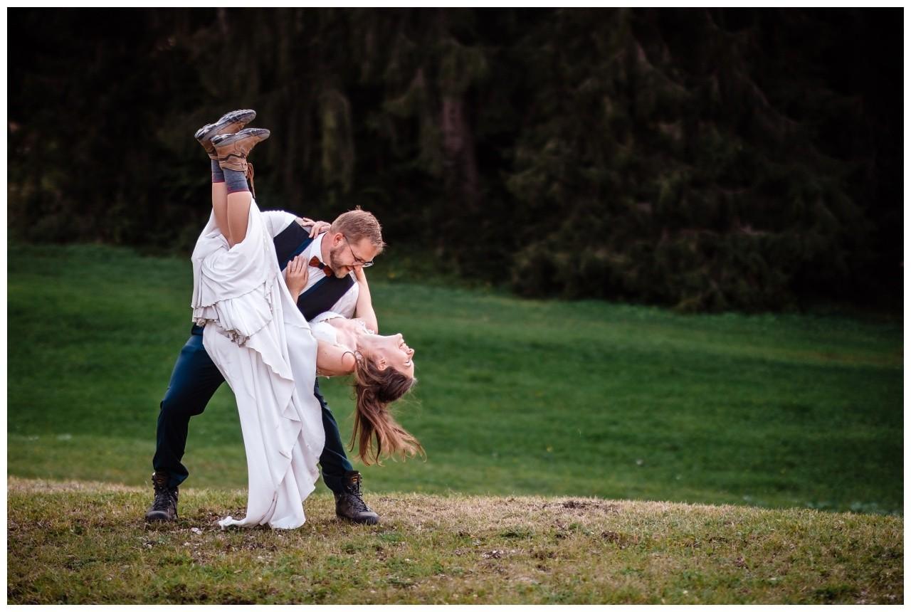 hochzeitsfoto eibsee zugspitze gamisch hochzeitsfotograf foto paarshooting 39 - Hochzeitsfotos am Eibsee