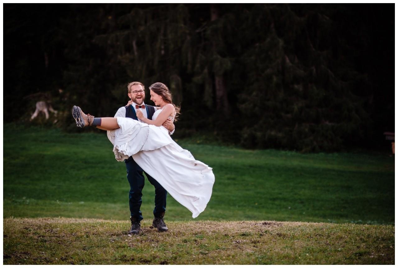 hochzeitsfoto eibsee zugspitze gamisch hochzeitsfotograf foto paarshooting 41 - Hochzeitsfotos am Eibsee