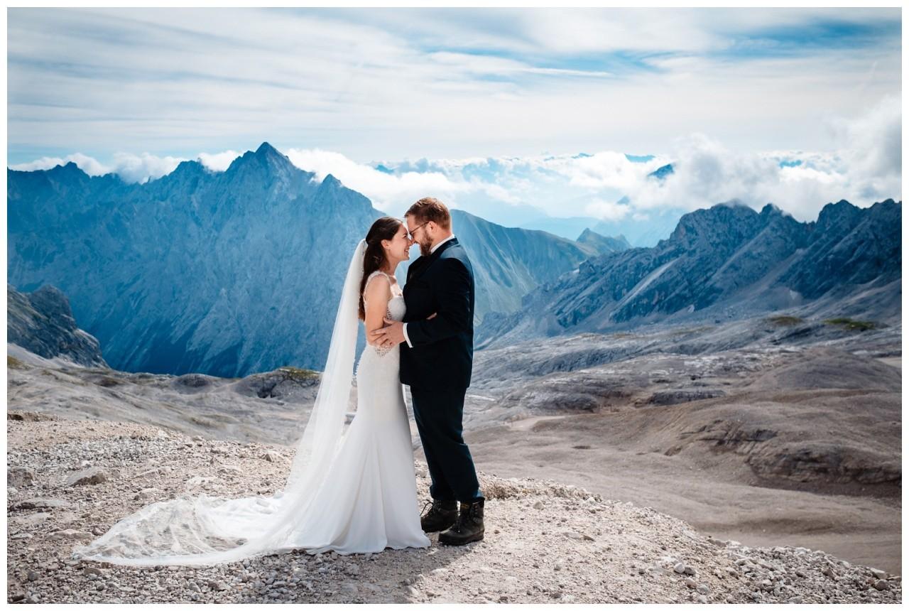 hochzeitsfoto eibsee zugspitze gamisch hochzeitsfotograf foto paarshooting 6 - Hochzeitsfotos am Eibsee
