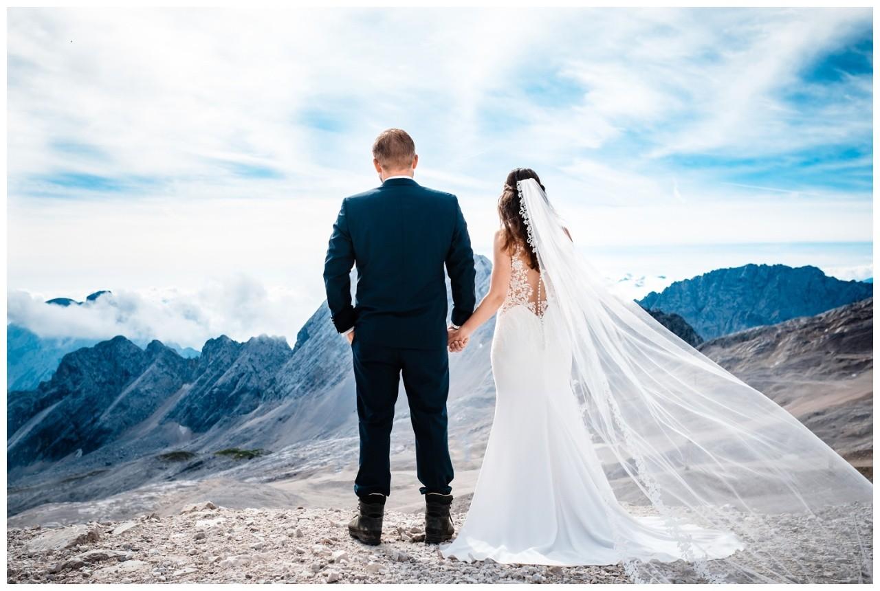 hochzeitsfoto eibsee zugspitze gamisch hochzeitsfotograf foto paarshooting 7 - Hochzeitsfotos am Eibsee